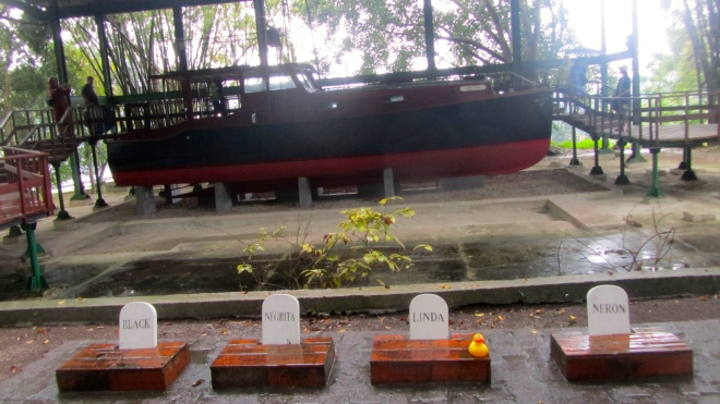 Memorial to dogs