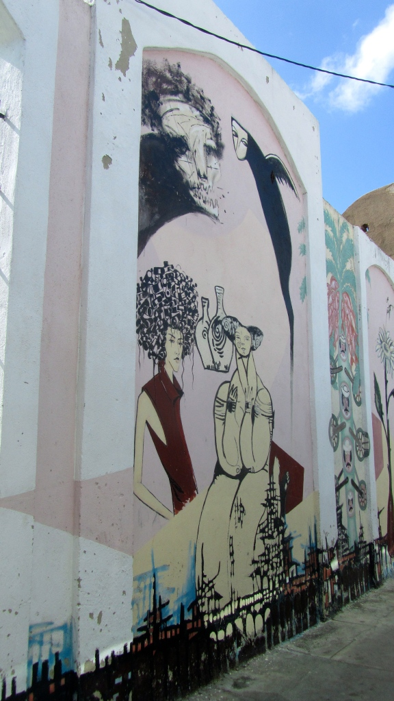 Murals by school in Cienfuegos