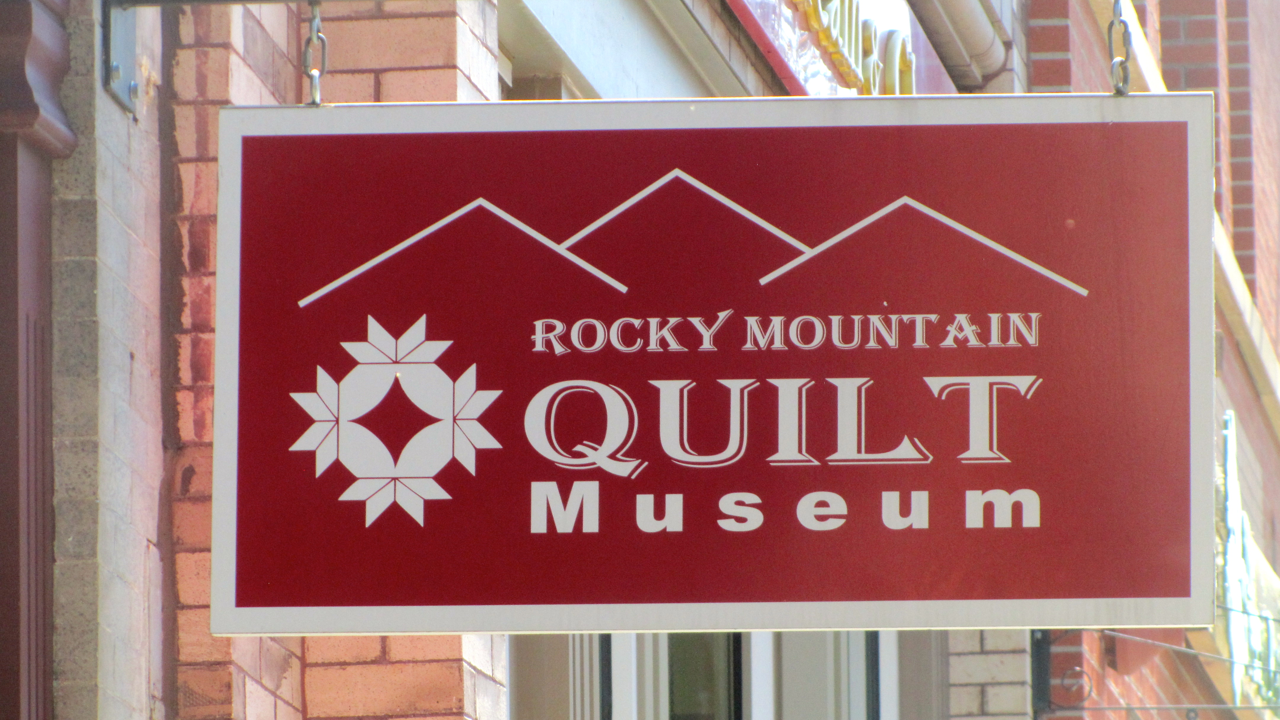 Rocky Mountain Quilt Museum with Zeb the Duck – Colorado Traveling ... : rocky mountain quilt museum - Adamdwight.com
