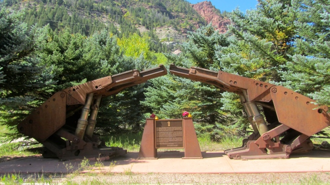 Monument to the miners.  A tribute from Mid-Continent Resources, Inc.