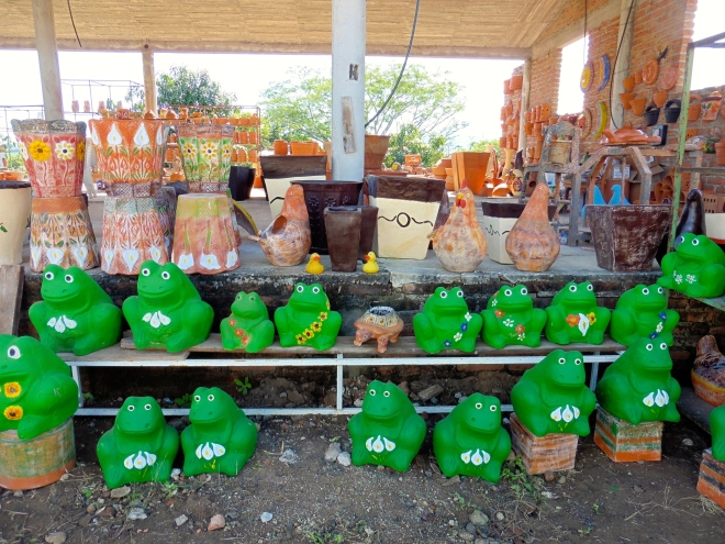 Pottery frogs for sale here