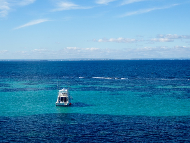Shades of blue of the Indian Ocean