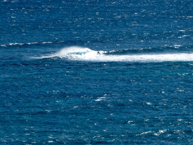 Unusual currents viewed from lighthouse