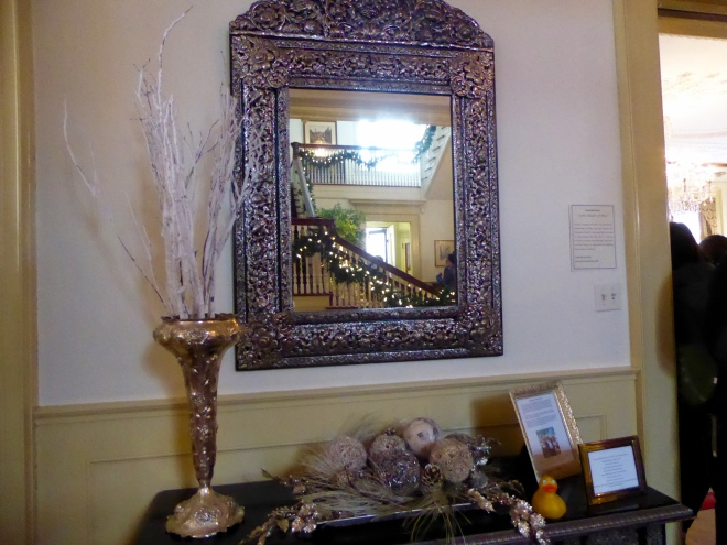 Mirror reflecting staircase