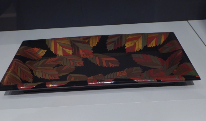 Lacquer tray with Autumn Leaves
