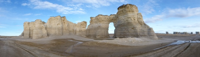 Monuments Rocks or Chalk Pyramids of Kansas