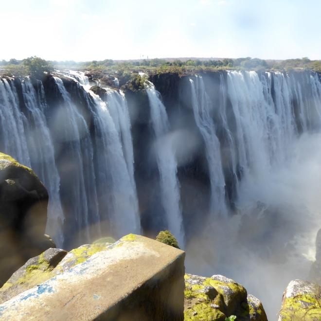 Horseshoe Falls. Spray on camera lens