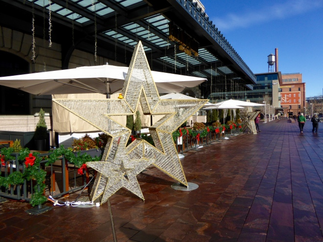 Star outside Union Station
