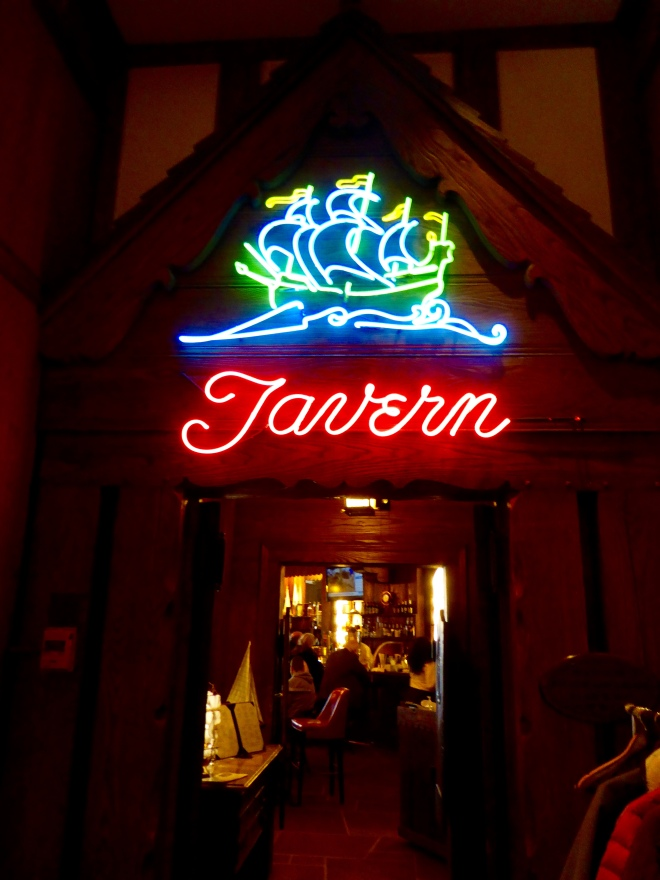 Let's go inside Ship Tavern